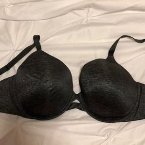 Victoria secret bra!!! Never worn!!